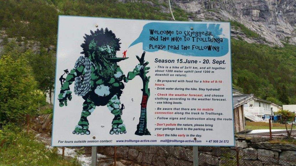 trolltunga-sign